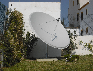BIG SATELLITE DISH INSTALLERS IN SPAIN FAMAVAL 1.9 2.4 3.1 5M SATELLITE DISHES SPAIN